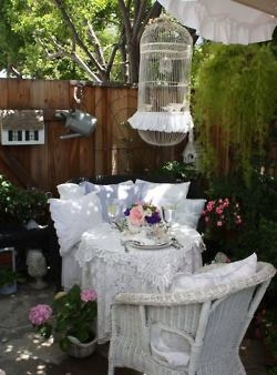 outdoor living: Shabby Chic Decor, Idea, Cottages Gardens, Birds Cages, Afternoon Teas, Shabby Chic Design, Romantic Home, Shabby Chic Cottages, Gardens Parties