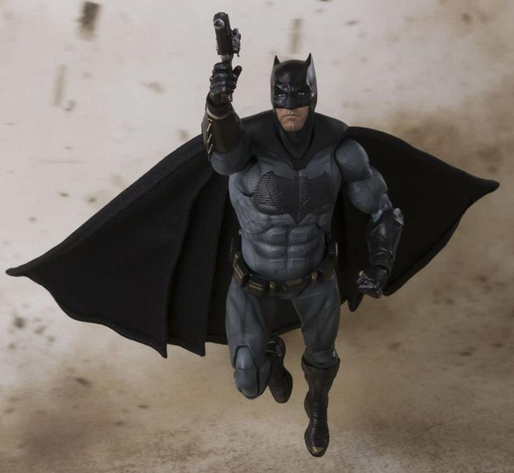 SH Figuarts reveals their upcoming Batman for their Justice League movie! Preorder now at: http://www.bigbadtoystore.com/Product/VariationDetails/55742?utm_source=youtube&utm_medium=link&utm_campaign=hunterknight4