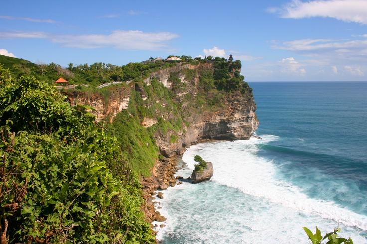 Uluwate Temple in Bali - A heaven like place. Udah pernah ke sana ?