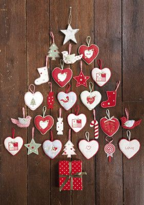 Cute Christmas tree idea - great advent calendar!