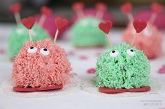 Sallys Blog - Valentinstags-Muffins mit Erdbeer- und Minzcreme / süße Puschel