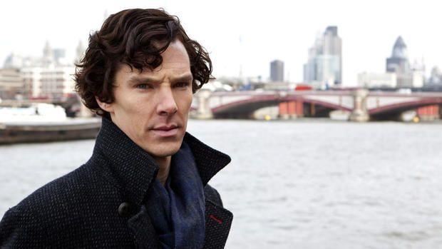 """Новый """"Шерлок"""" разочаровал поклонников сериала слишком простым сюжетом http://joinfo.ua/showbiz/1192637_Noviy-Sherlok-razocharoval-poklonnikov-seriala.html  Наконец-то поклонники увидели первую серию нового сезона культового сериала «Шерлок», в котором главную роль сыграл Бенедикт Камбербэтч (Benedict Cumberbatch), вышедшую на экраны сразу после Нового года. Сегодня, фанаты в сети активно обсуждают свои неоднозначные впечатления от «Шесть Тэтчер». Новый """"Шерлок"""" разочаровал поклонников…"""