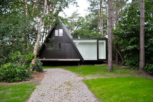 A-Frame House Extension: Extension, Summer Cabins, Exten Vb4, Contemporary Houses, Tiny Houses, Afram, Small Houses, Modern Houses Design, A Frames Houses