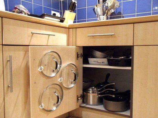 A mess-free way to store pots