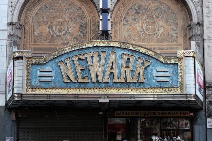 Vernacular Territory (great urban typography blog) in Newark, New Jersey; Paramount Theater