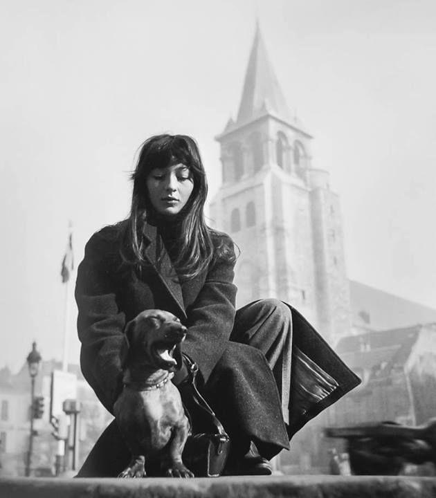 Juliette Gréco à Saint-Germain-des-Prés, Doisneau