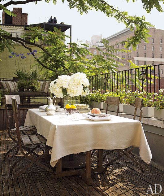 outdoor dining: Rooftops Patio, Alfresco, Tables Sets, Outdoor Living, Nyc Apartment, Small Terraces, Design Patterns, To Fresh, Outdoor Spaces