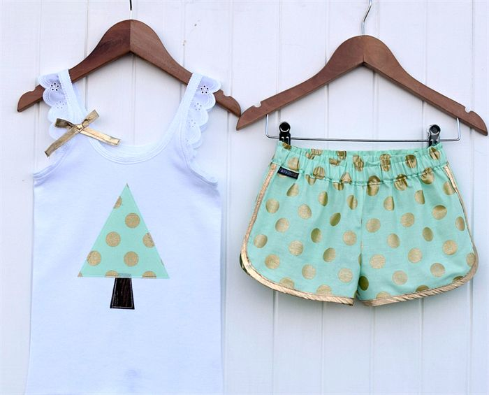 Mint Glitz Sporty Shorts and Singlet Set Sizes 6-8 Christmas Polkadot