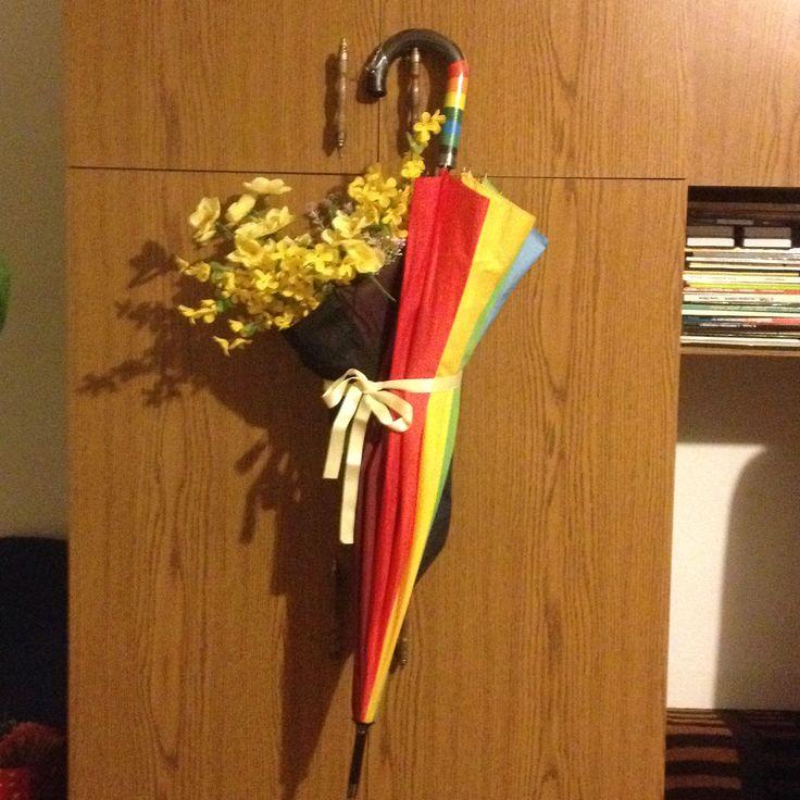 rossz esernyőbe művirág (újrahasznosítás) :)