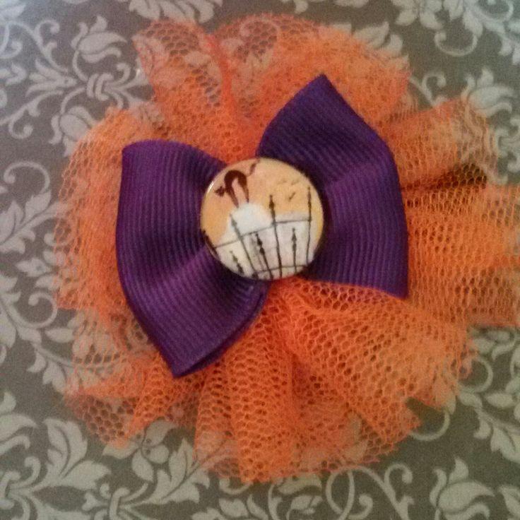 Spilla e molletta #handmade #hair #hairclip #halloween #pinup #cat #blackcat #tulle #31october #samhain #ognissanti #tombstone #graveyard #rip #dead #brooch #witch #creepynight #orange #bow #grosgrain #gothic #horror #goth #dark #livingdead