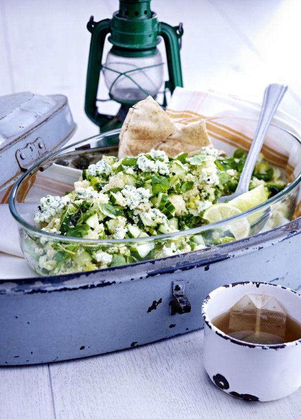 Unser beliebtes Rezept für Gurken-Couscous-Salat mit Minz-Frischkäse und mehr als 55.000 weitere kostenlose Rezepte auf LECKER.de.