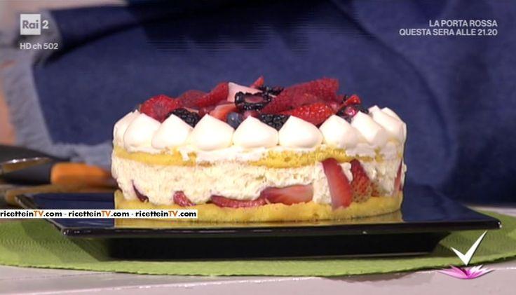 """""""Detto Fatto"""": la ricetta della torta chantilly rivisitata di Matteo Manzotti del 22 febbraio 2017."""
