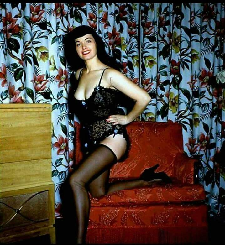Betty Page Photos: 255 Best Bettie Page The Queen Of Pinups Images On Pinterest