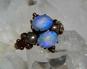 Éblouissante édouardienne Pierre Double 10k bague en or avec gelée bleu Intense opales, des Accents de perle de graine, non signé