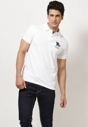 White coloured polo T-shirt for men from Phosphorus. Made from 100% cotton, this T-shirt features regular fit and half sleeves.