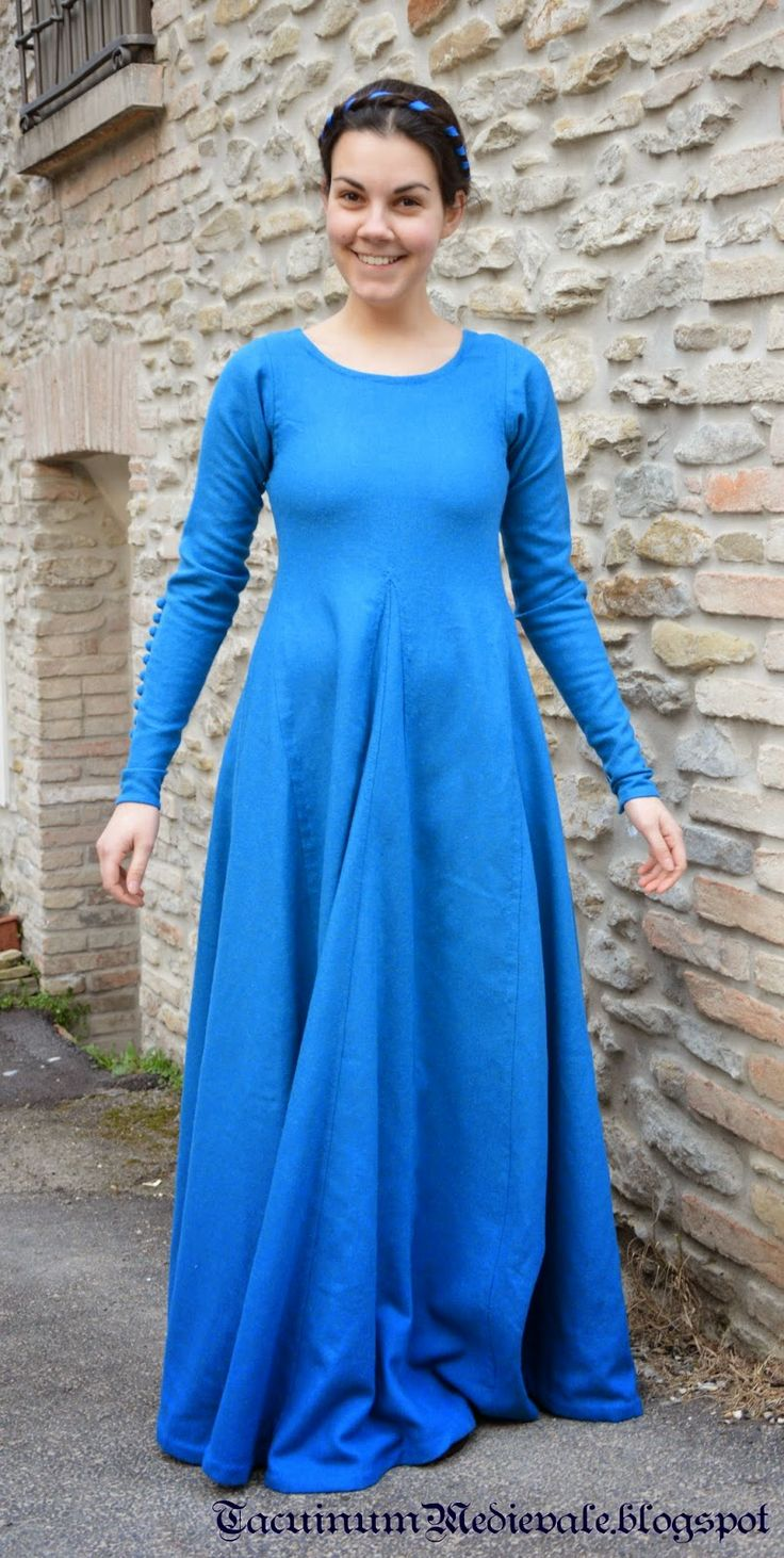 Blue dress reconstruction from Theatrum Sanitatis from Biblioteca Casanatense, Ms.4182, tav.117. Front.