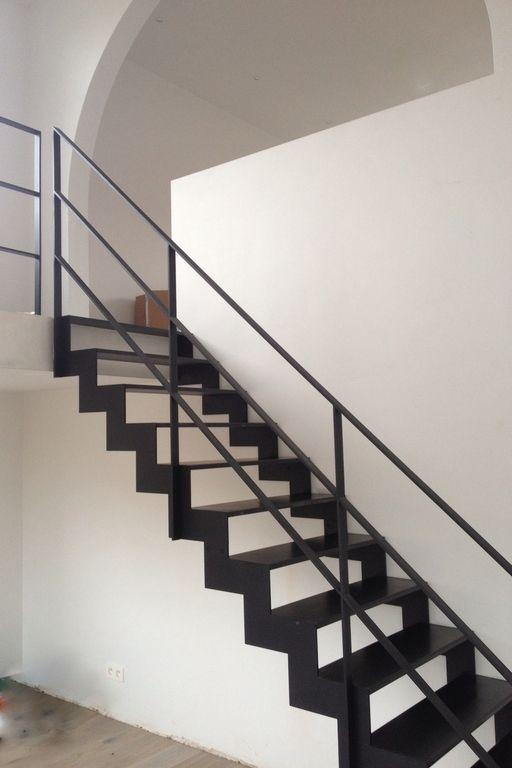 Moderne metalen trap op maat | Anyway Doors