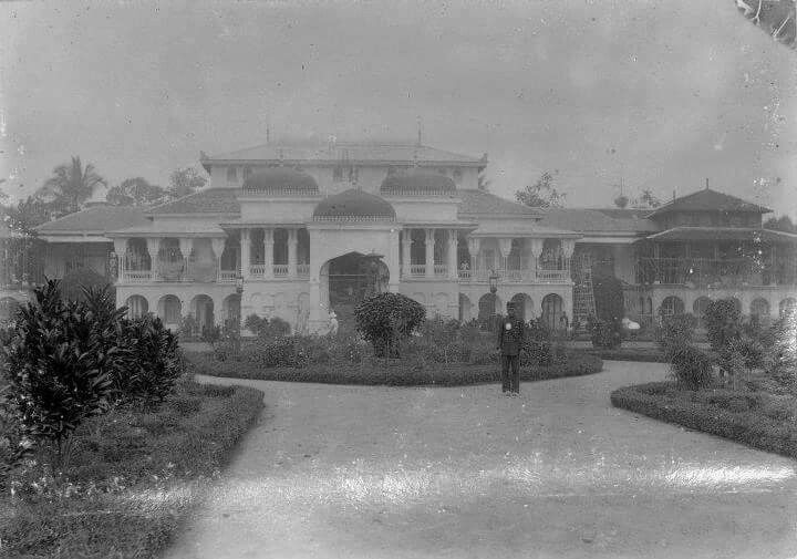 1888. Istana Maimun. Sumatra.