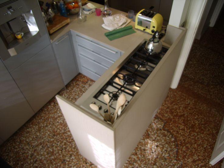 Top/Fiancate cucina Bulthaup Alluminio in Vanilla StoneItalia , vasca in Stoneitalia realizzazione BlancoMarmo.it / Cucina realizzata da Oggetti.it / design by LauroGhedini.com