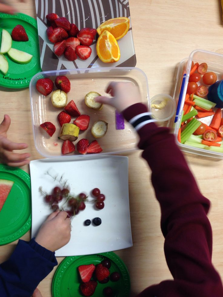 Healthy share plates for healthy snack break encourages sharing and children might be more inclined to try something new and healthy