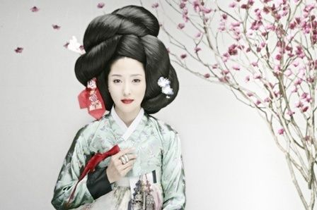 Hanbok, love the hai...