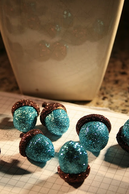 chinamommy glittered acorns