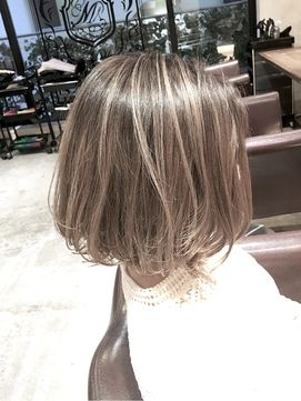 ハイライトグラデーションボブ/salon de MiLK  SHIBUYAをご紹介。2017年冬の最新ヘアスタイルを100万点以上掲載!ミディアム、ショート、ボブなど豊富な条件でヘアスタイル・髪型・アレンジをチェック。