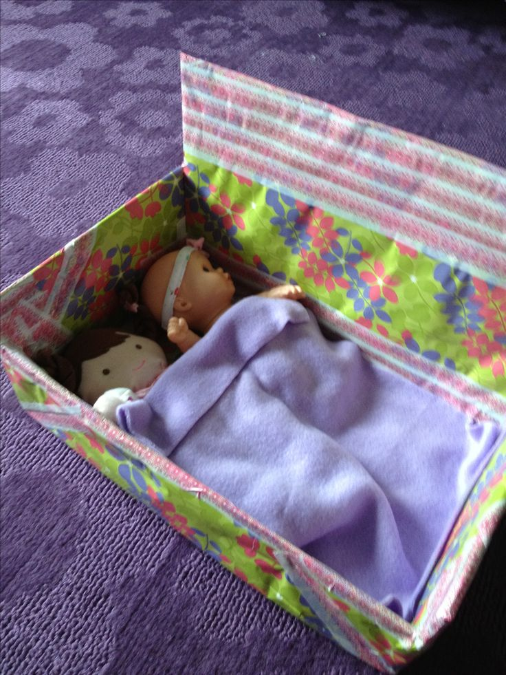 Doll bed from shoe box | Doll Beds | Doll beds, How to ...