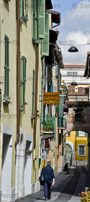 Brescia, Italia  http://saraviaggi.blogspot.it/2012/09/brescia-molto-carina.html