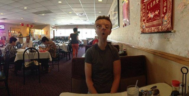 16 Panoramic Photo Fails That Turned Humans Into Mutants