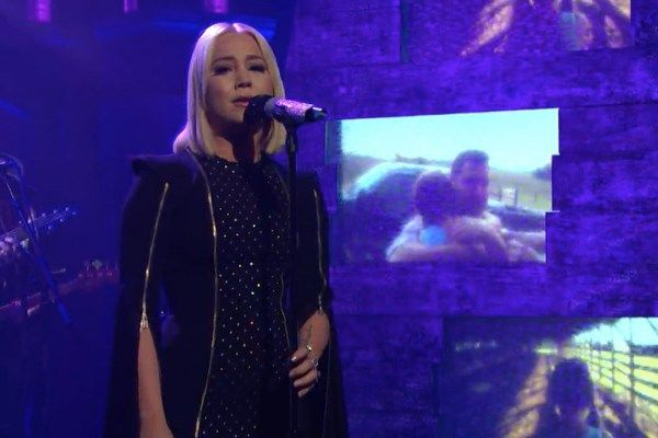 RaeLynn stopped by 'Late Night With Seth Meyers' for a performance of her emotional Love Triangle.