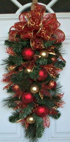 Teardrop Swag, Christmas Swag, Vertical Swag, Pine, Green, Elegant, Vertical Decoration