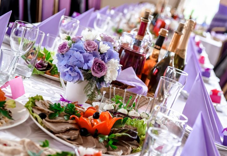 BeloveWed : Delicious Food Ideas for a Winter Wedding