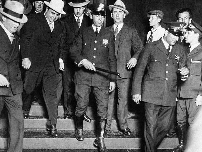 an analysis of the mafia of the 1920s and 1930s Capital punishment,  1920s home » legal  the analysis of this 1929 case offers many points of comparison between practices and procedures in a 1929 case.