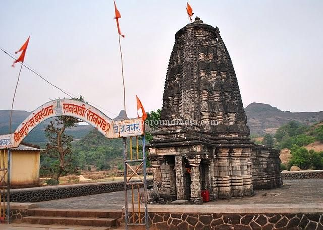 MALLIKA ARJUNA, temple is situated on the mahadwar of Vitthal Rukmani temple in Pandharpur