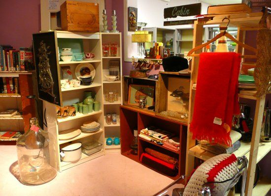 Antique Store Wisdom: The Vintage Cabin's Expert Selling Tips