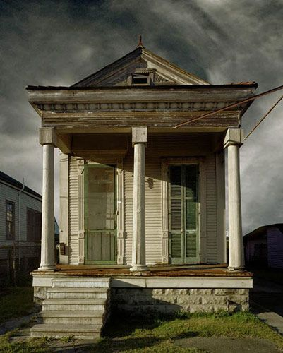 ♥ the shotgun houses!: Paintings Art, Orleans Shotguns, New Orleans, Little House, Vanishing America, Landscape Photography, Small House, Michael Eastman, Shotguns House