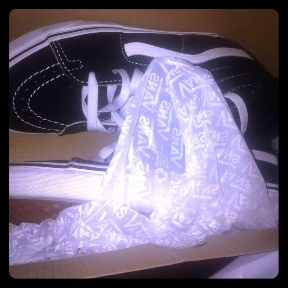 Vans Skate Highs (B&W) 4.5 Men , 6 Women Vans Shoes Sneakers
