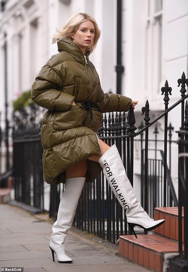 b7f188f2b79c1 Lottie Moss makes a bold style statement in white leather boots ...