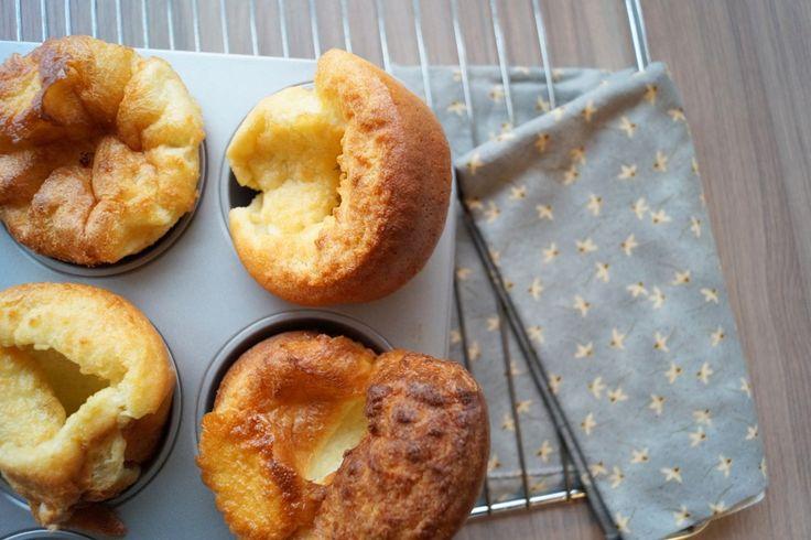 Yorkshire Puddings. Traditionelle engleske Yorkshire Puddings som Jamie Oliver laver dem. Se opskriften og billeder her.