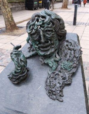 Maggi Hambling's AConversation with Oscar Wilde