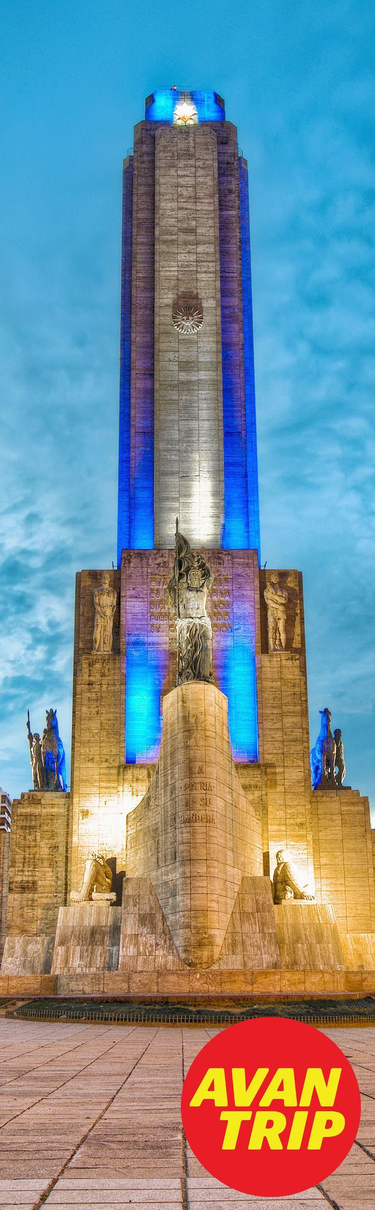 Adivinanza: ¿En qué lugar sacamos esta foto? - Contestá con #AvantripQuizViajero - Mucha Suerte! - #Rosaio #MonumentoALaBandera #Argentina #Bandera #Monumento #SantaFe