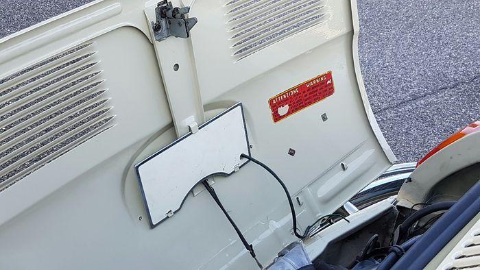 Fiat - 500 L 1972 GEGEVENS · Geldige APK: 2018 · Platen en documenten: Italiaans · Kilometerstand: 47.000 Km · Eigenaars: 1 · Beige · Stand van de bodemplaat: uitstekend BESCHRIJVING Fiat - 500 L 1972, één eigenaar, zwarte plaat, geschilderd in zijn originele kleur, zeer goede bodemplaat, gereviseerde motor (met inbegrip van de tandriem), nieuwe tank, nieuwe bumpers, nieuw dak, nieuwe interieur panelen, nieuwe interieur tapijten, nieuwe wieldoppen, nieuwe demper. Dit voertuig kan worden b...
