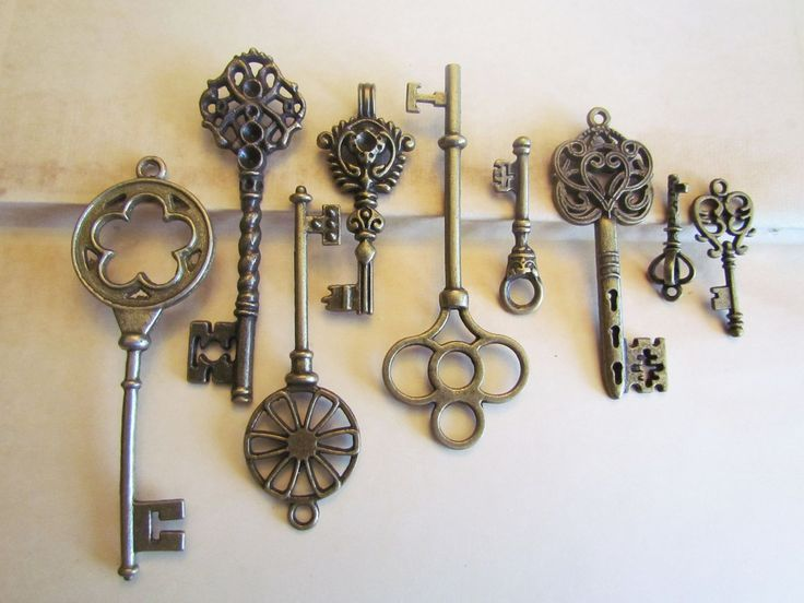 6pcs Assorted Antique Bronze Assorted Key Charms 13-69 mm - Ships IMMEDIATELY from California