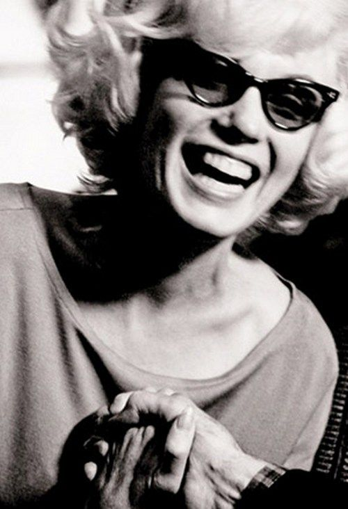Marilyn Monroe by Len Steckler, 1961.: Marilyn Monroe, Lens Steckler, Ray Bans Outlets, Beauty People, Styles Icons, December 1961, Carl Sandburg, Norma Jeans, Ray Bans Sunglasses