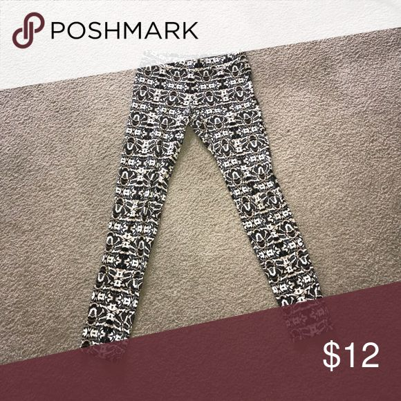Express Tribal Print Leggings Size S Tribal leggings from express, in great condition! Express Pants Leggings
