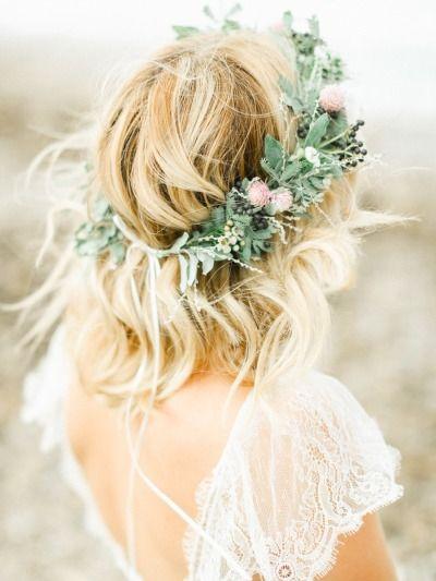 Rustic floral crown #rusticweddinginspiration #rusticwedding