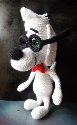 Crochet pattern of Mr Peabody using a 2.5mm hook