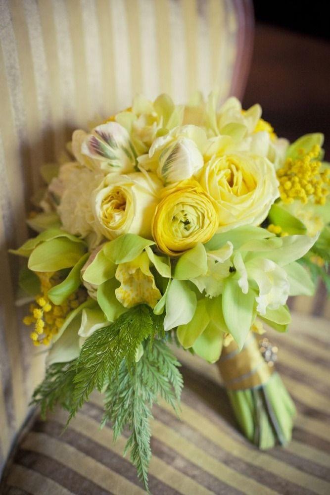 Fiori Gialli Bouquet.Pin Di Michela Su Bouquet Nel 2020 Mazzi Di Fiori Gialli Mazzo