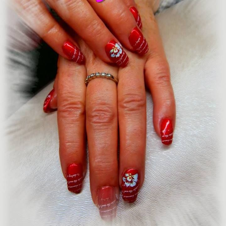 Airbrush - nail design dle mě ;) razítko písmenka, airbrush kytička